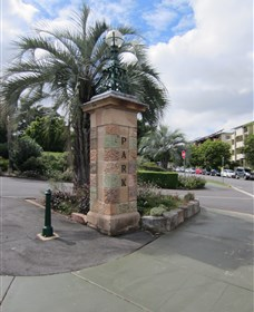 Newstead Park Memorials - eAccommodation