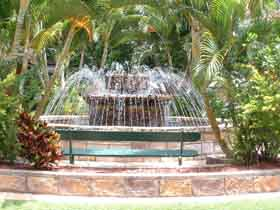 Bauer and Wiles Memorial Fountain - eAccommodation