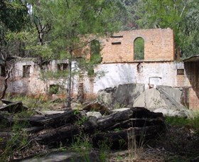 Newnes Shale Oil Ruins - eAccommodation