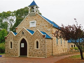 Christ Church Yankalilla - eAccommodation