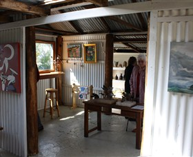 Tin Shed Gallery - eAccommodation
