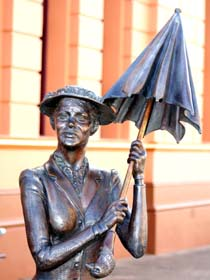 Mary Poppins Statue