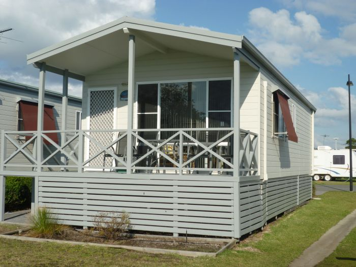 Belmont Pines Lakeside Holiday Park - eAccommodation