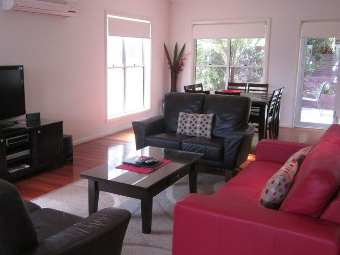 Sea Eagle Manor 605 - eAccommodation