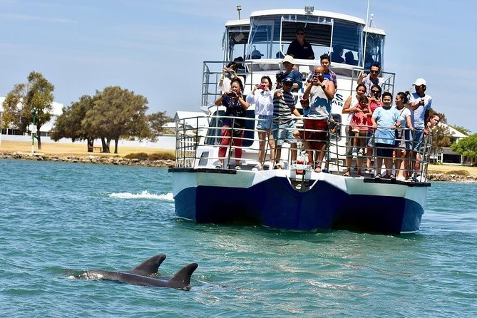 Mandurah Dolphin and Scenic Canal Cruise - eAccommodation