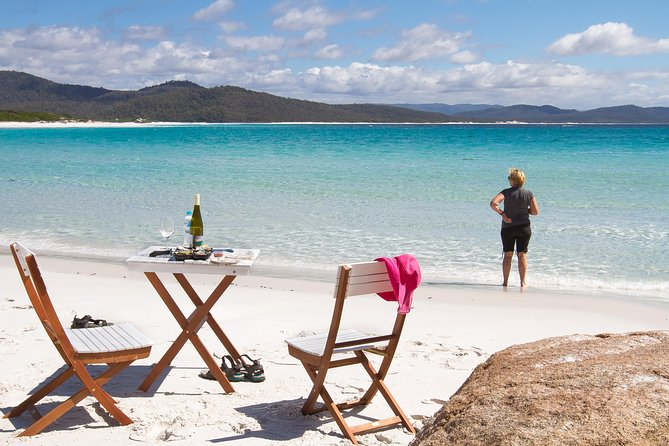 4x4 and Lunch Full Day Freycinet and Wineglass Bay - eAccommodation