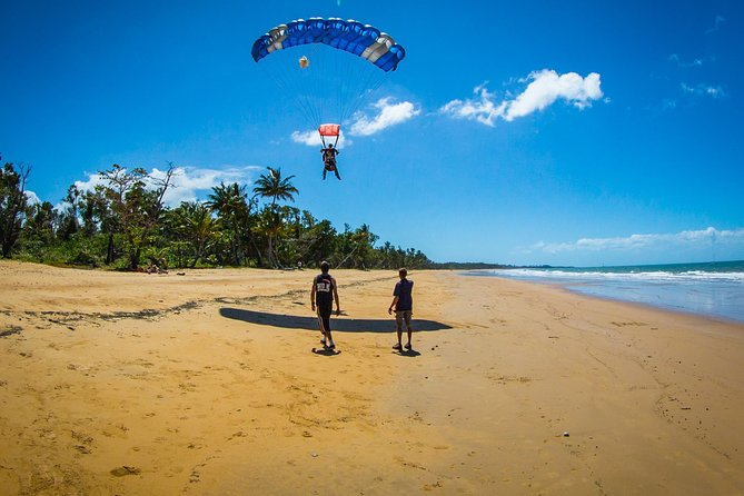 Beach Skydive from up to 15000ft over Mission Beach - eAccommodation