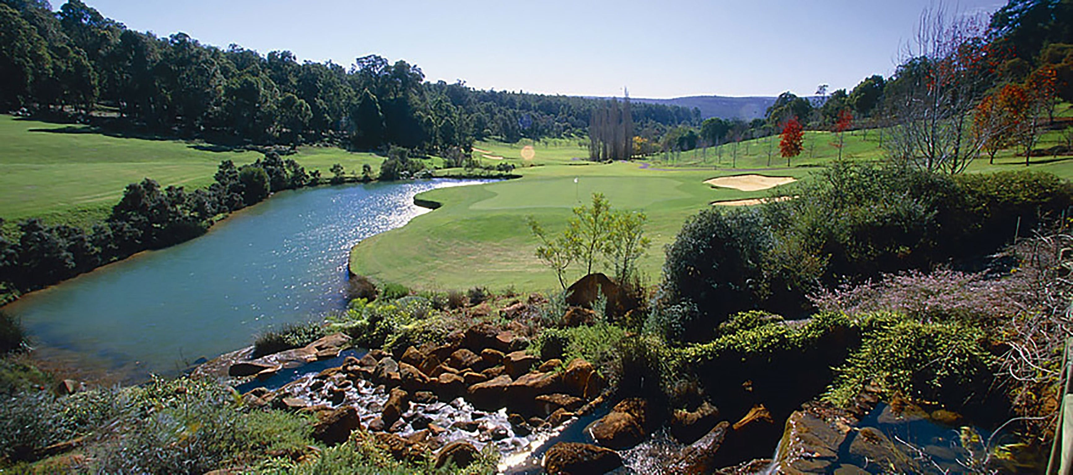 Araluen Golf Resort - eAccommodation