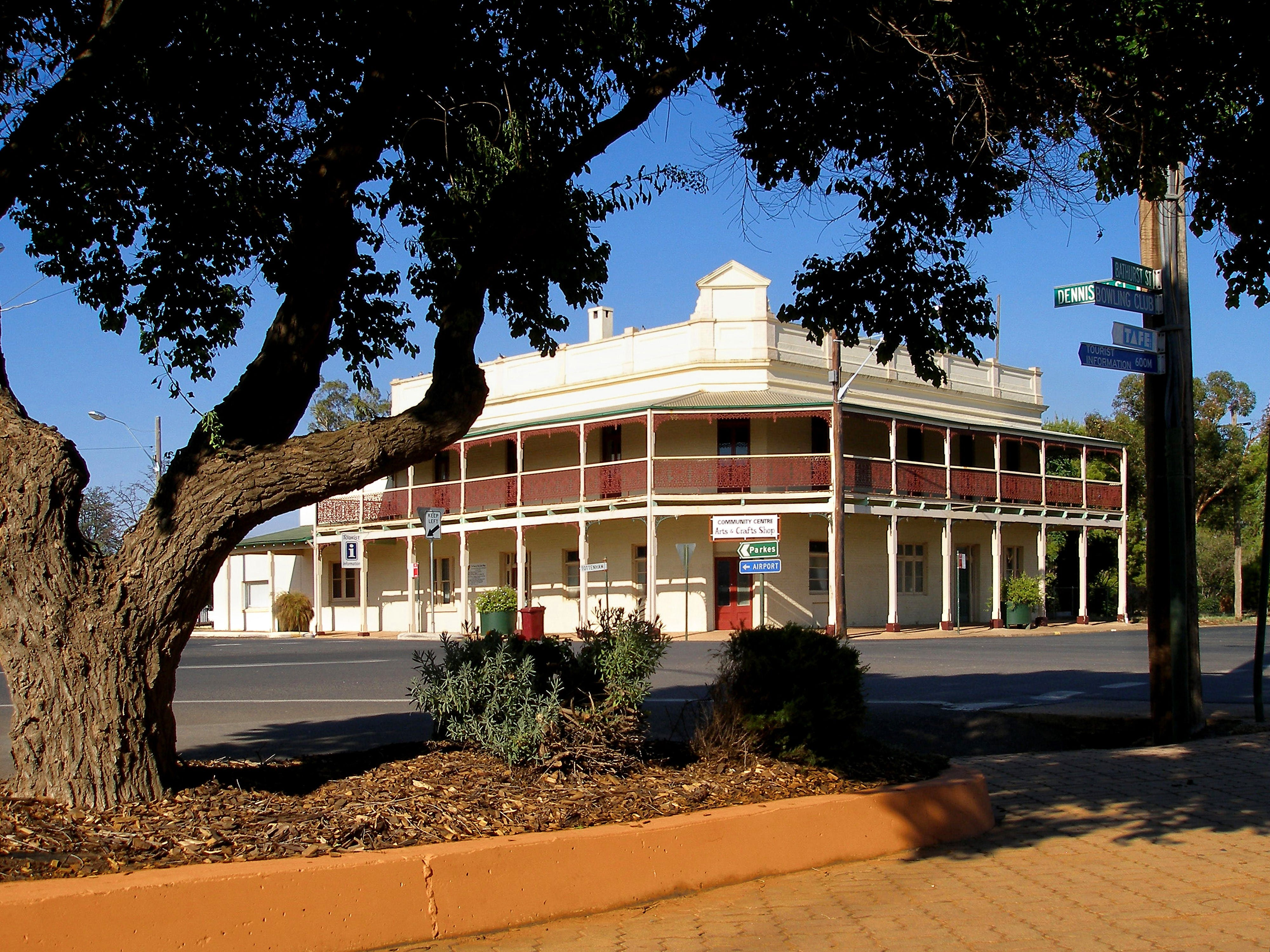 Condobolin - eAccommodation