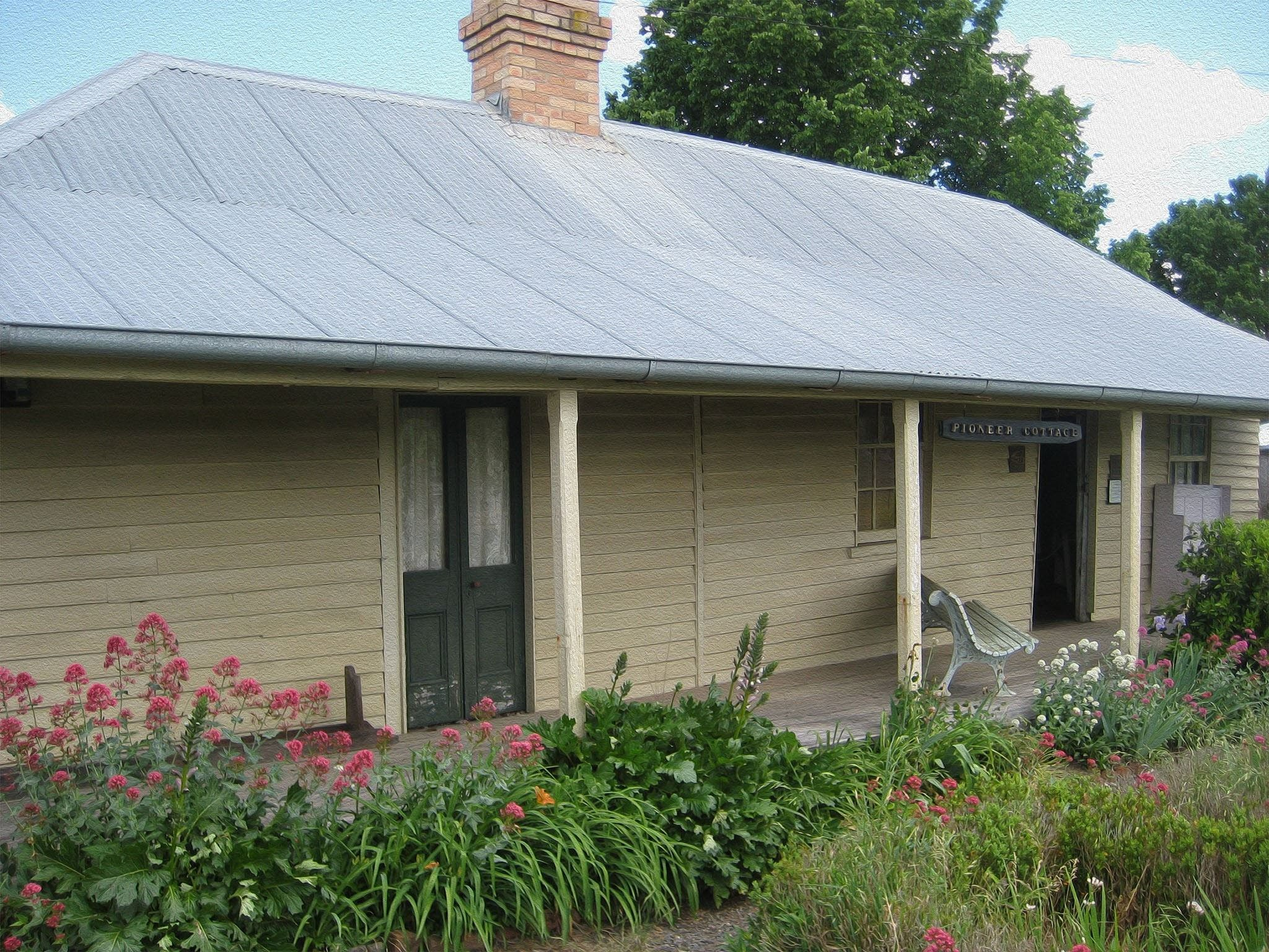Pioneer Cottage and Museum - eAccommodation