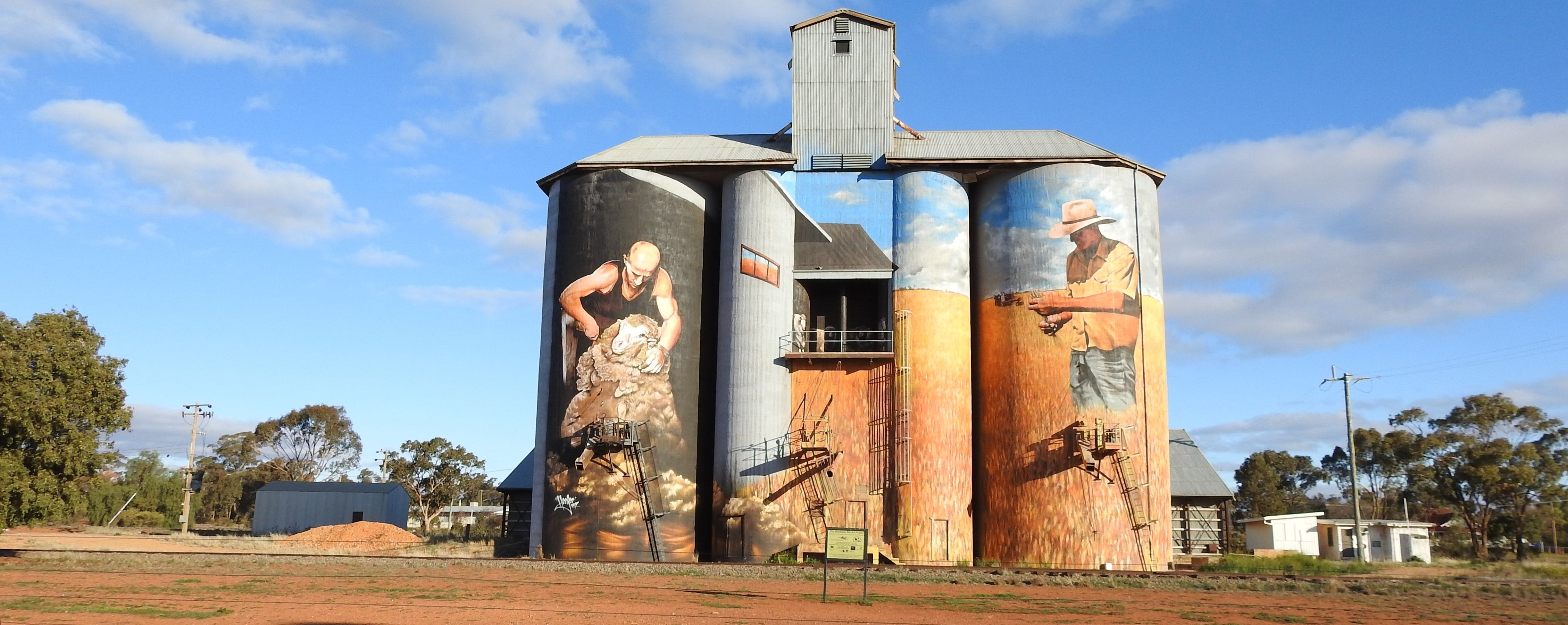 Riverina Outdoor Art Trail - eAccommodation