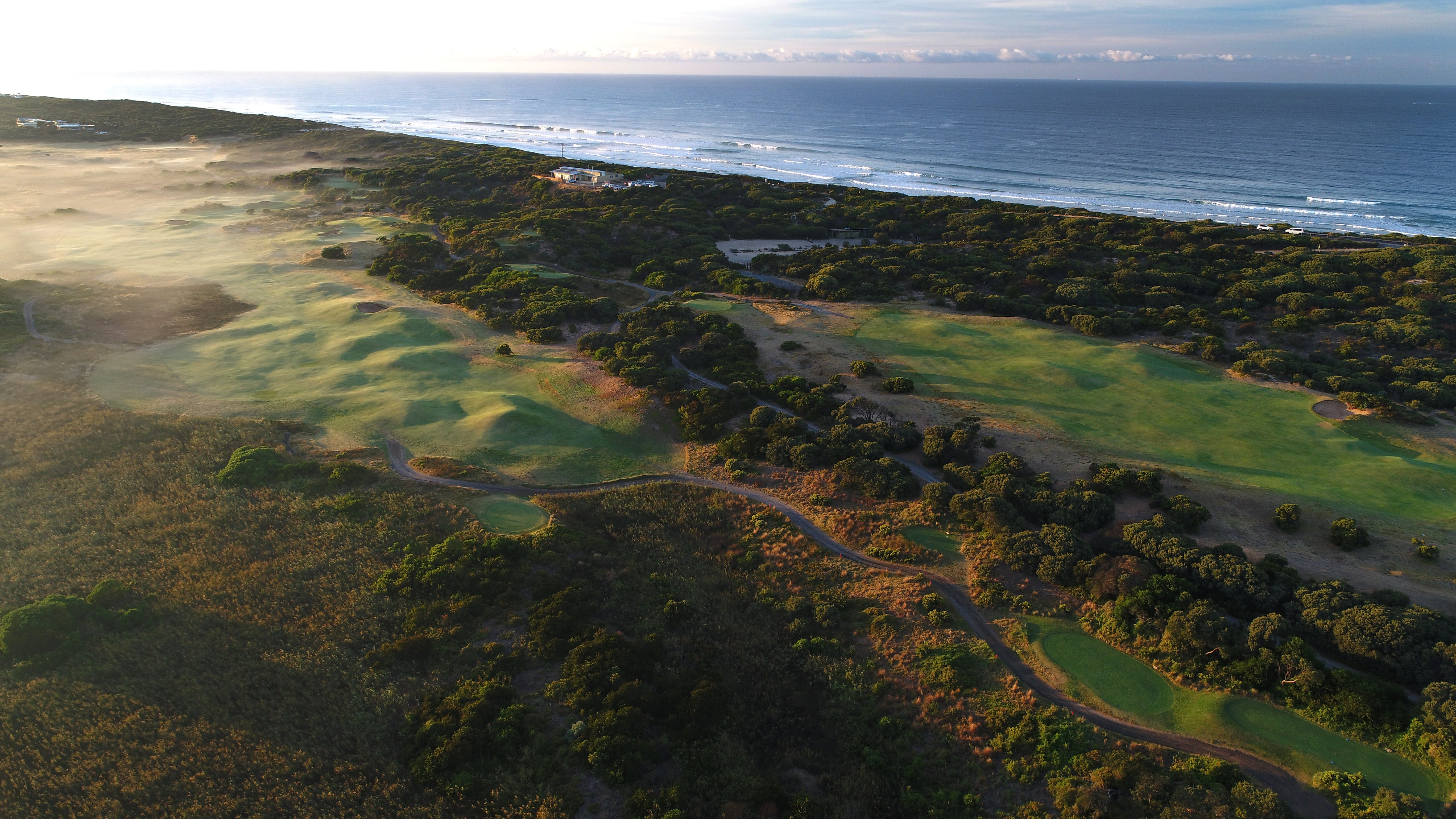13th Beach Golf Links - eAccommodation