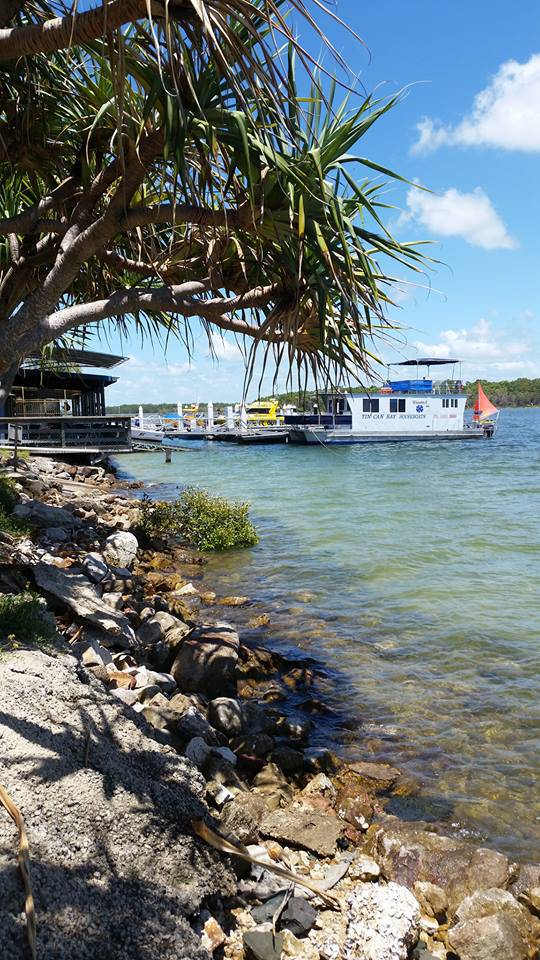 Tin Can Bay Yacht Club Bistro - eAccommodation