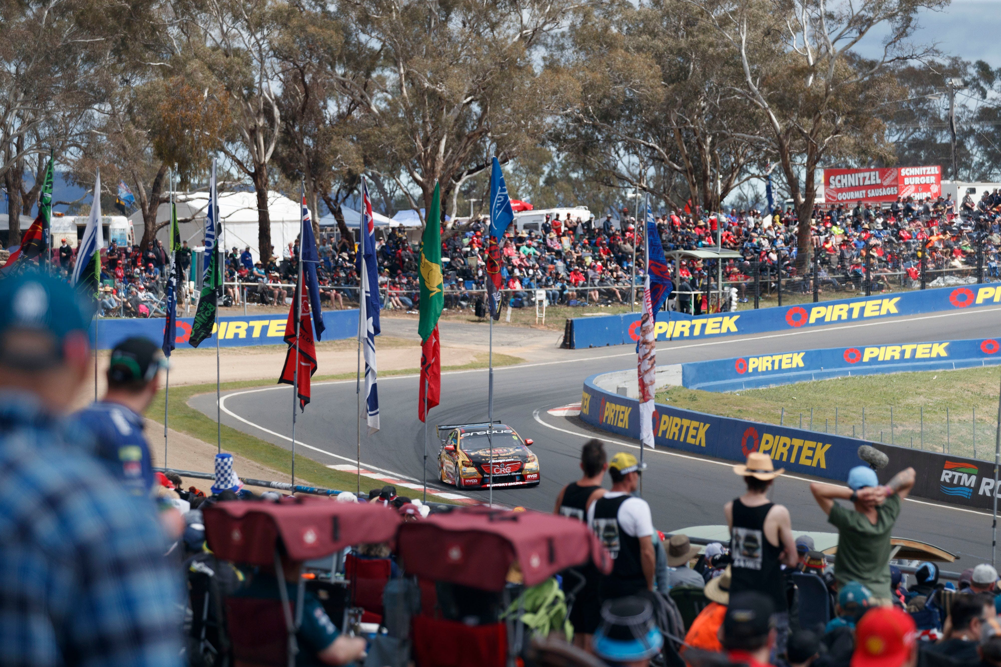 Supercars Supercheap Auto Bathurst 1000 - eAccommodation