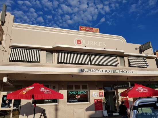 Burkes Bistro and Bar - eAccommodation