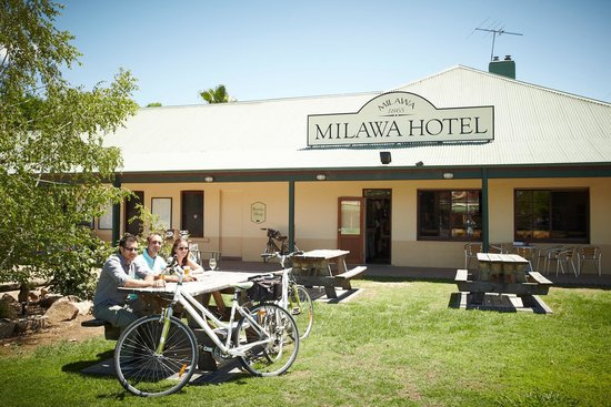 Milawa Commercial Hotel Restaurant - eAccommodation