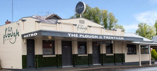 The Plough at Trentham - eAccommodation