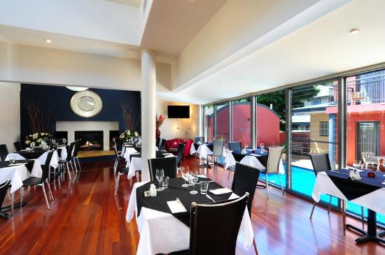 Pavilion Restaurant and Lounge - eAccommodation
