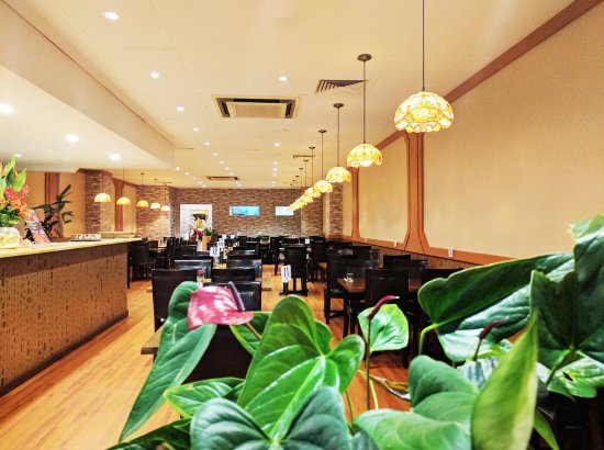 Emperor Asian Restaurant - eAccommodation