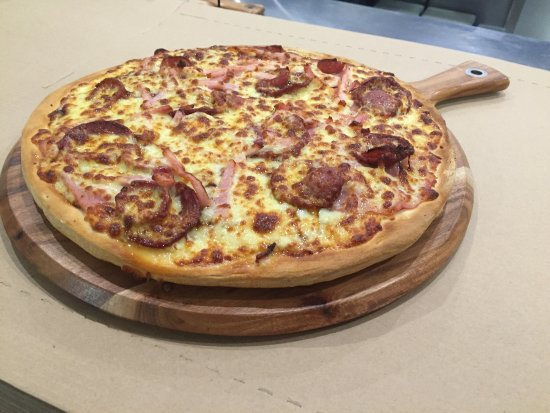 Pizza kitchen - eAccommodation