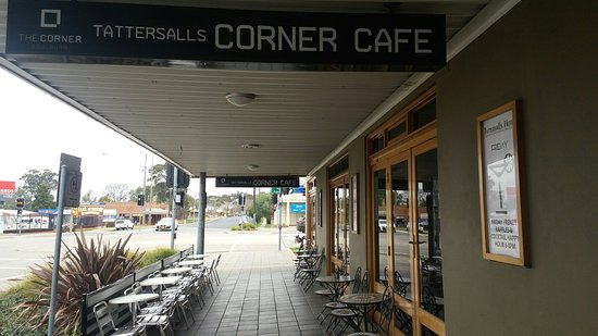 The Corner Cafe -Tatts Pub - eAccommodation
