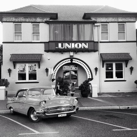 The Union Bar Inverell - eAccommodation