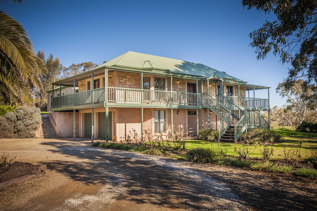 Lindsay House Homestead - eAccommodation