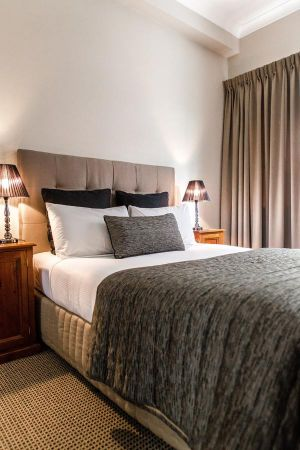 The Belmore All-Suite Hotel - eAccommodation