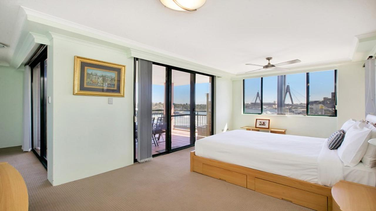 Darling Harbor Apartment - eAccommodation
