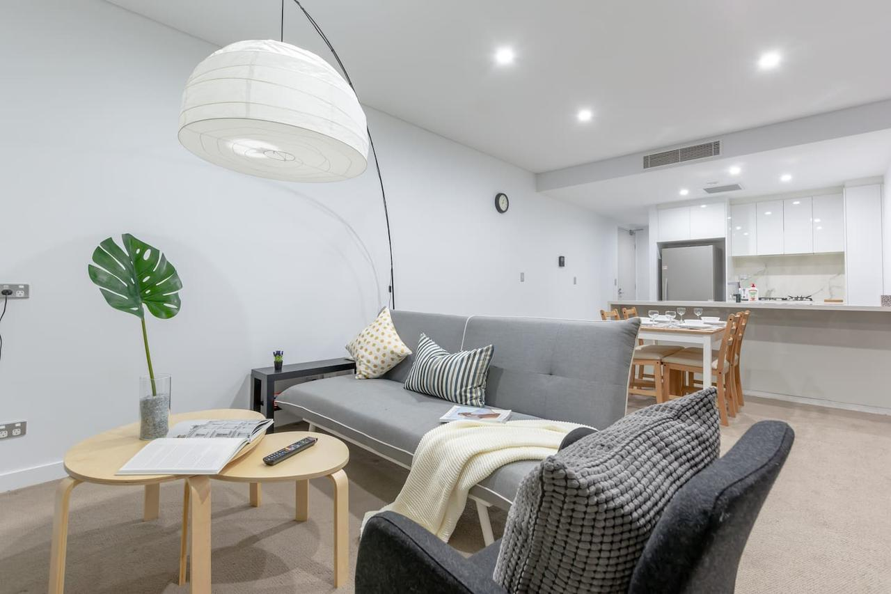 Inner City Stylish apt Walk to Green Square - eAccommodation