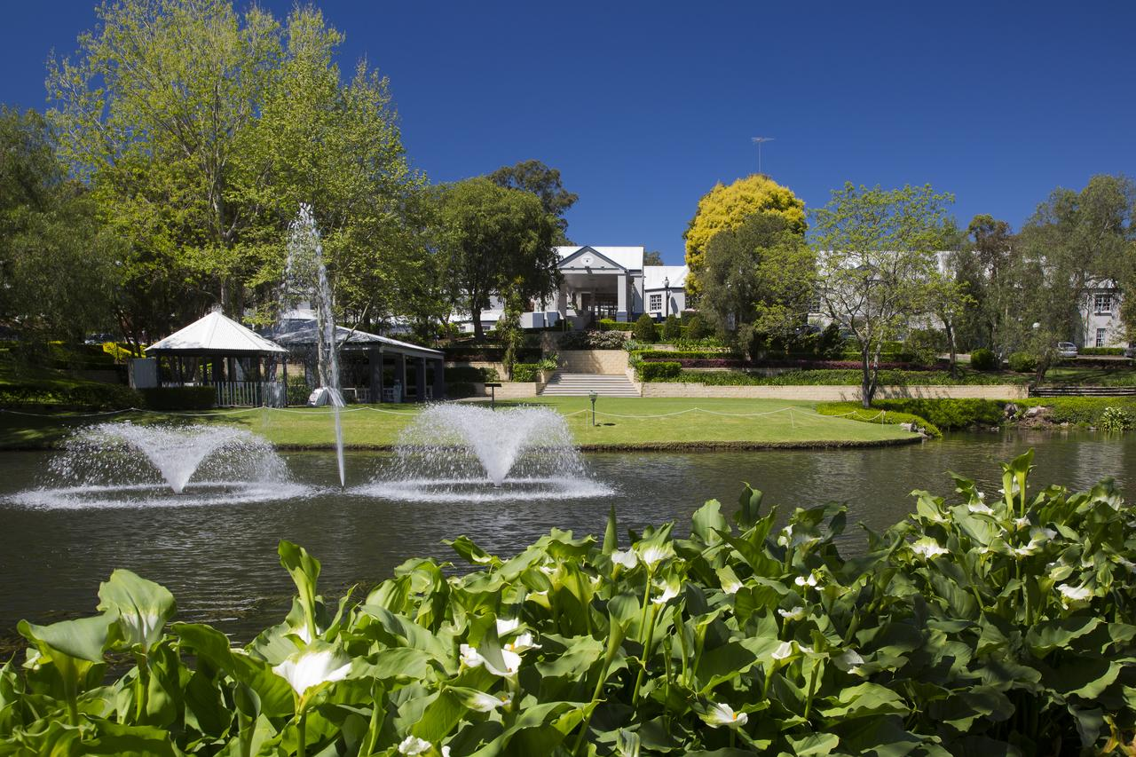 Crowne Plaza Hawkesbury Valley - eAccommodation