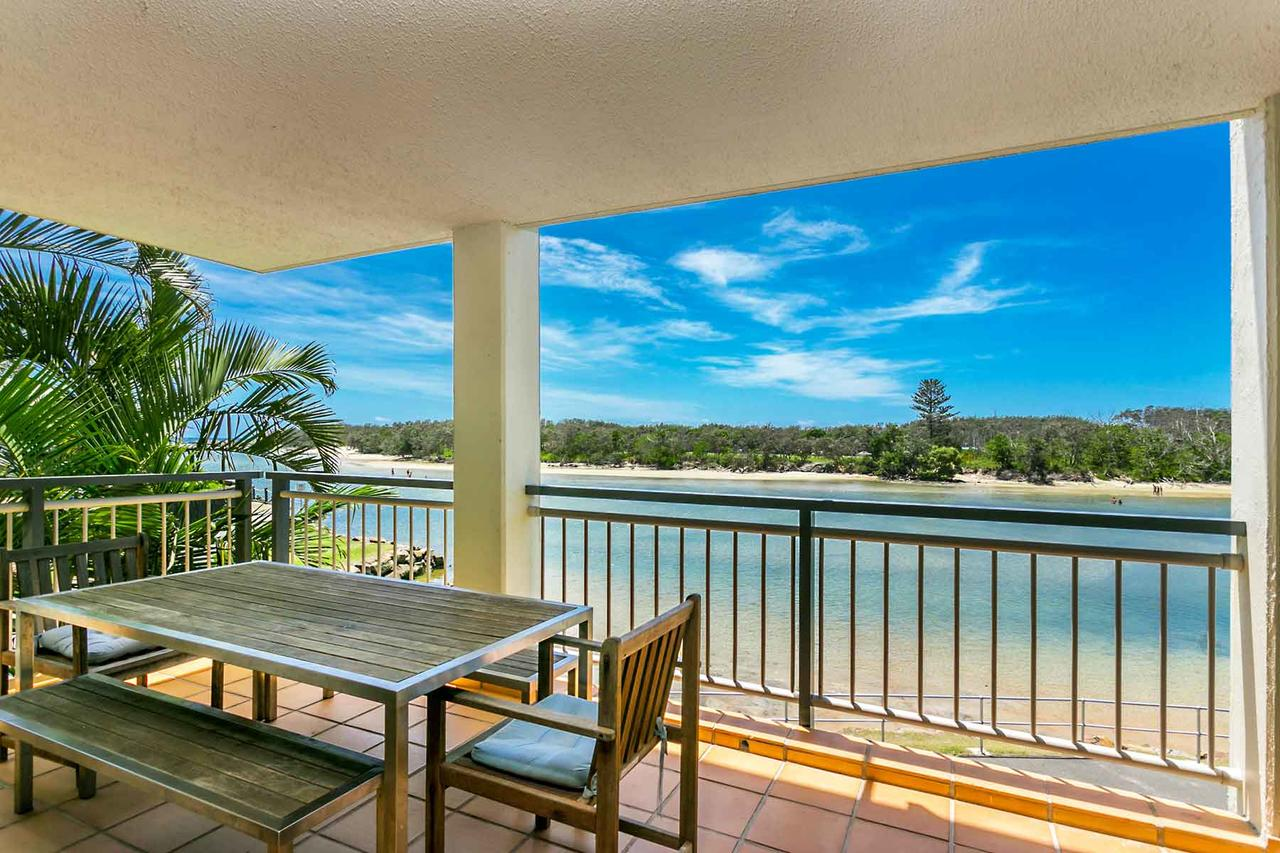 Sunrise Cove Holiday Apartments - eAccommodation