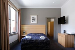 Royal Exhibition Hotel - eAccommodation