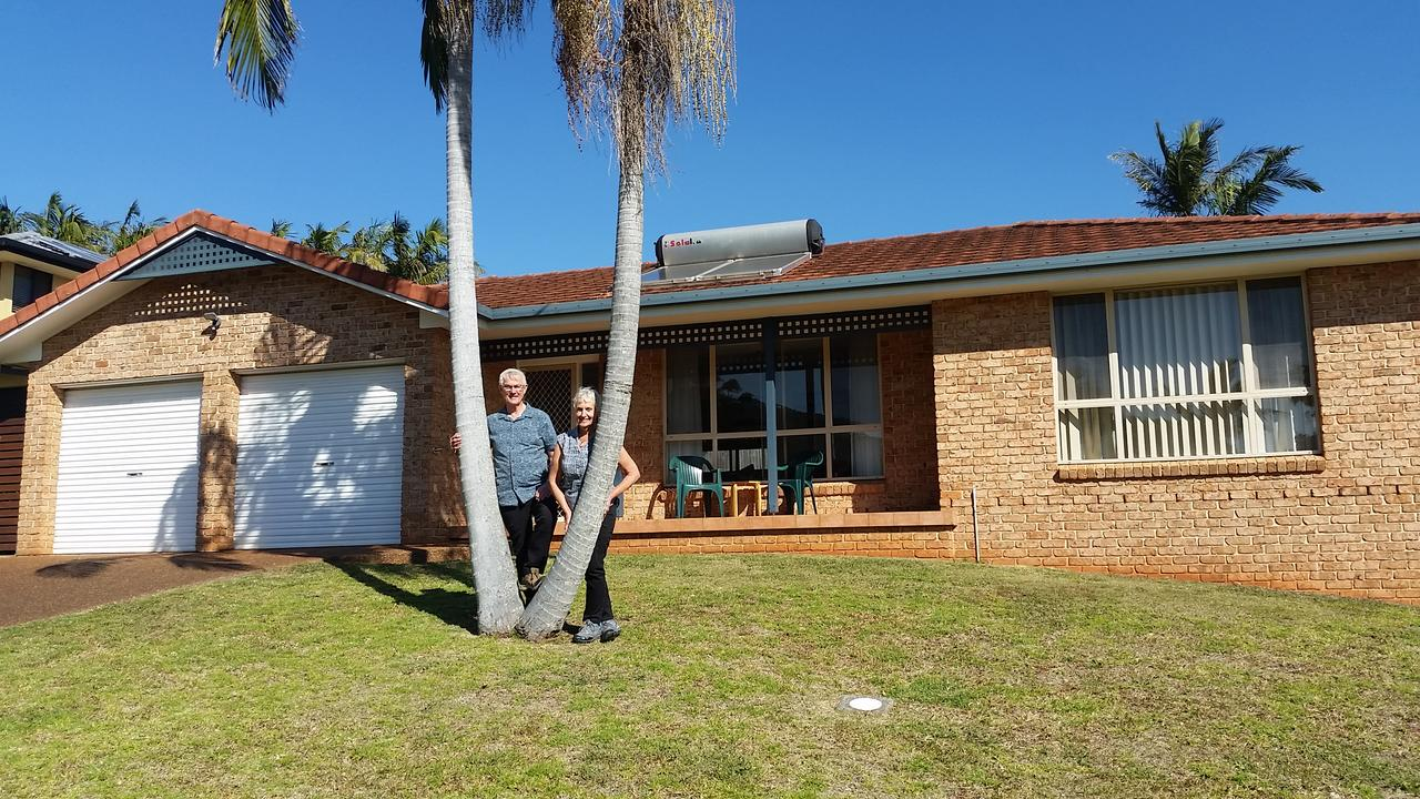Twin Palms Holiday House at Lighthouse - eAccommodation