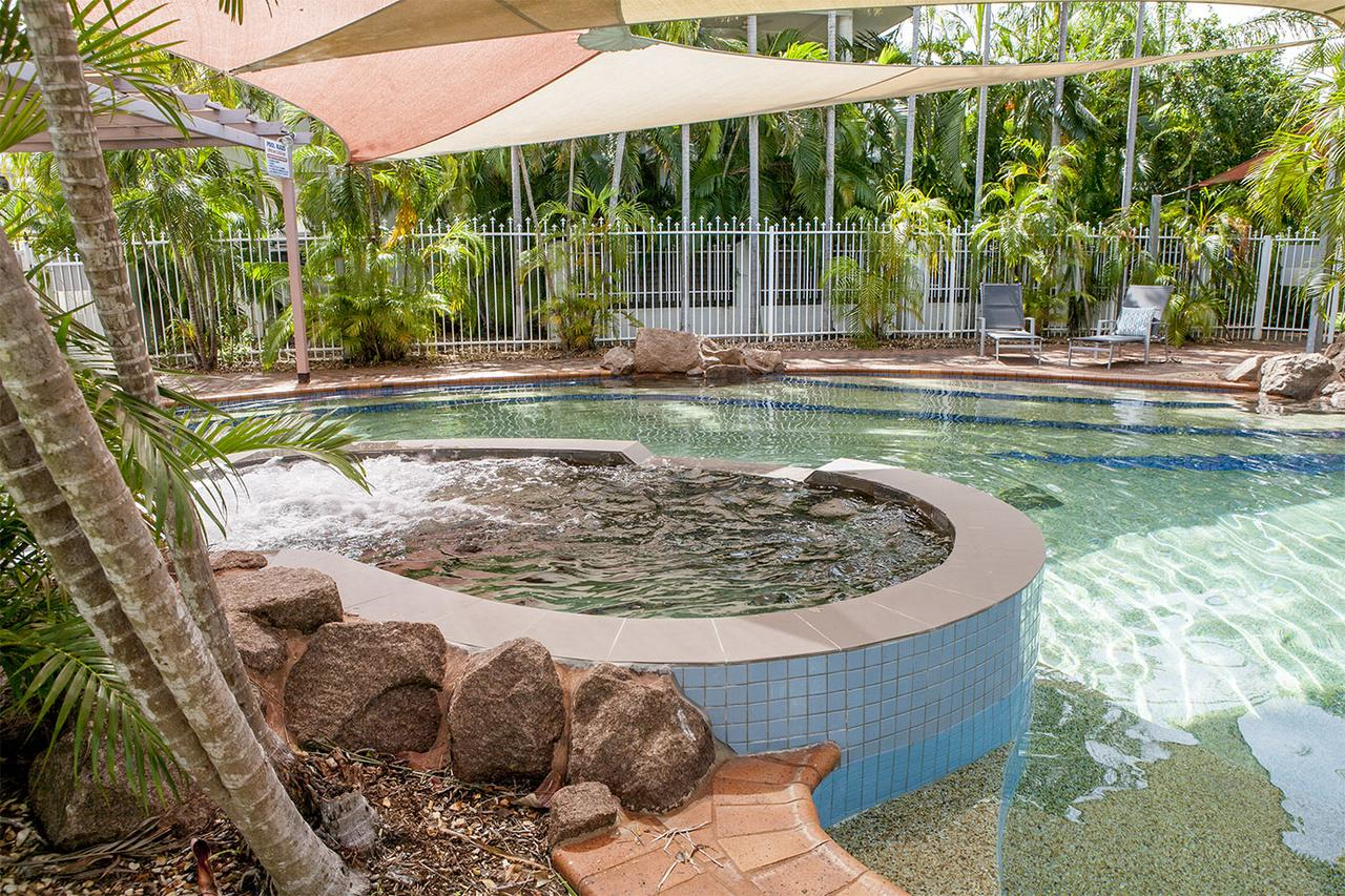 Nightcliff Foreshore Getaway - McKay Gardens - eAccommodation