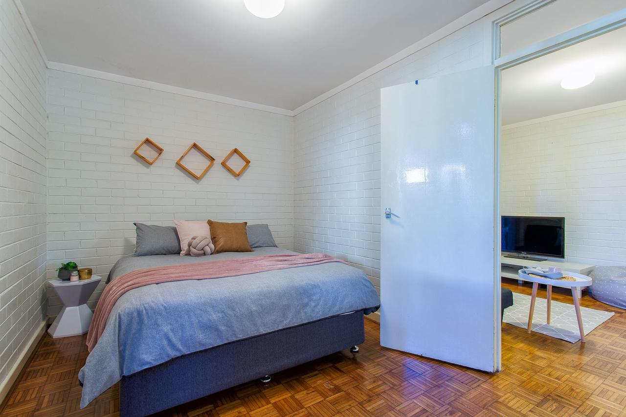 Fremantle Coastal Stay - 1 Bedroom Central Apartment - eAccommodation