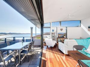 One Mile Cl Townhouse 22 26 The Deckhouse - eAccommodation