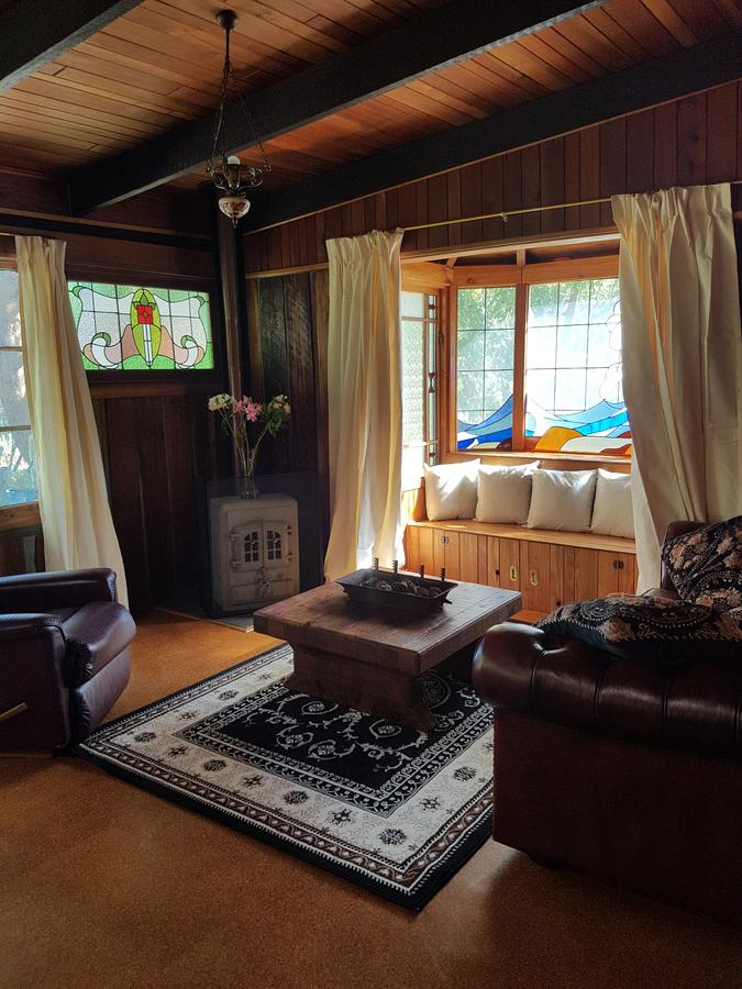 Whispering Hills Retreat - eAccommodation