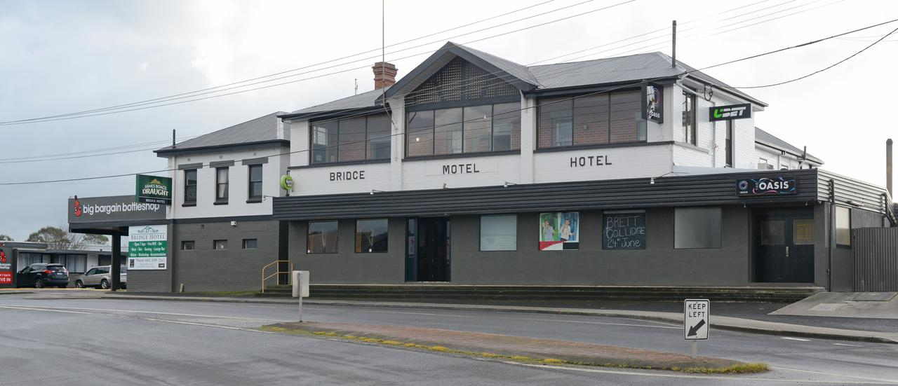 Bridge Hotel - eAccommodation