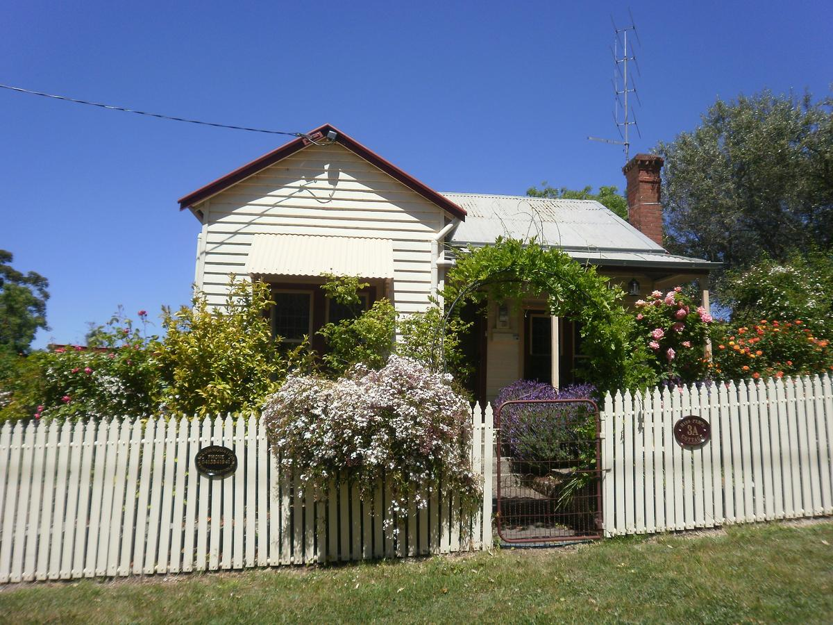 Miss Pym's Cottage - eAccommodation