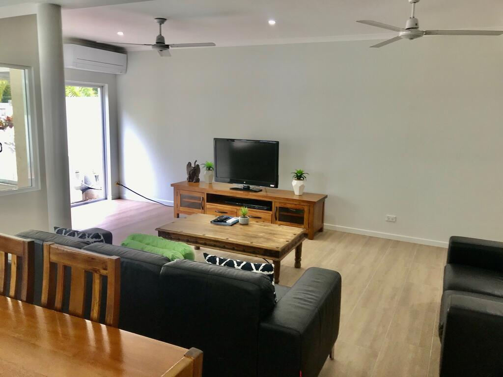 The Villas Palm Cove - eAccommodation