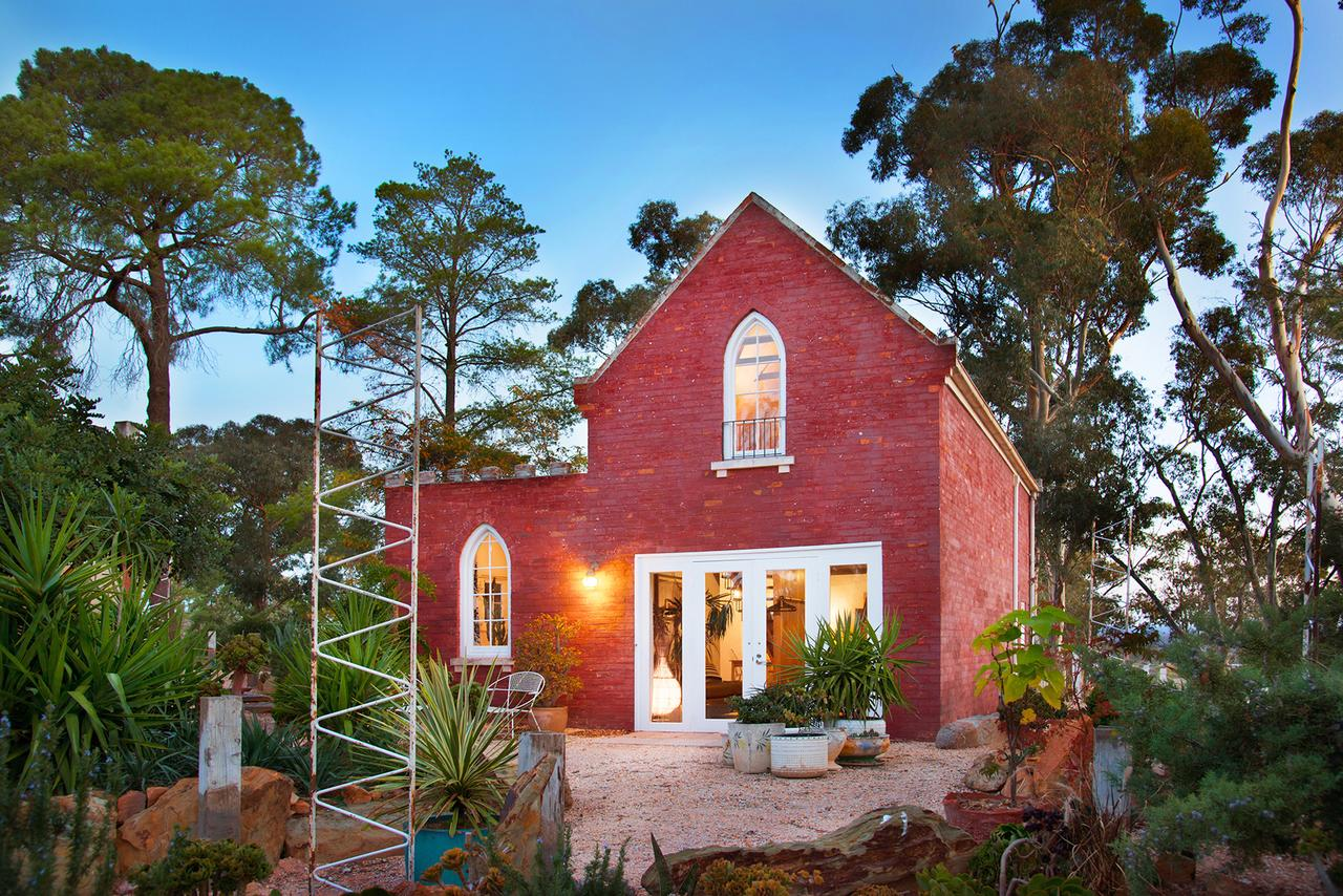 bebe castlemaine - eAccommodation