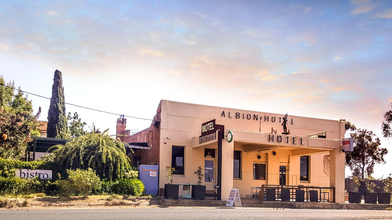 Albion Hotel and Motel Castlemaine - eAccommodation
