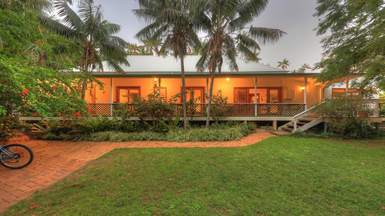 Beachcomber Lodge - eAccommodation