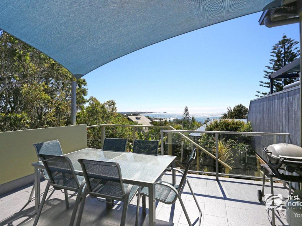 Angourie Blue 1 - Great Ocean Views - Surfing beaches - eAccommodation