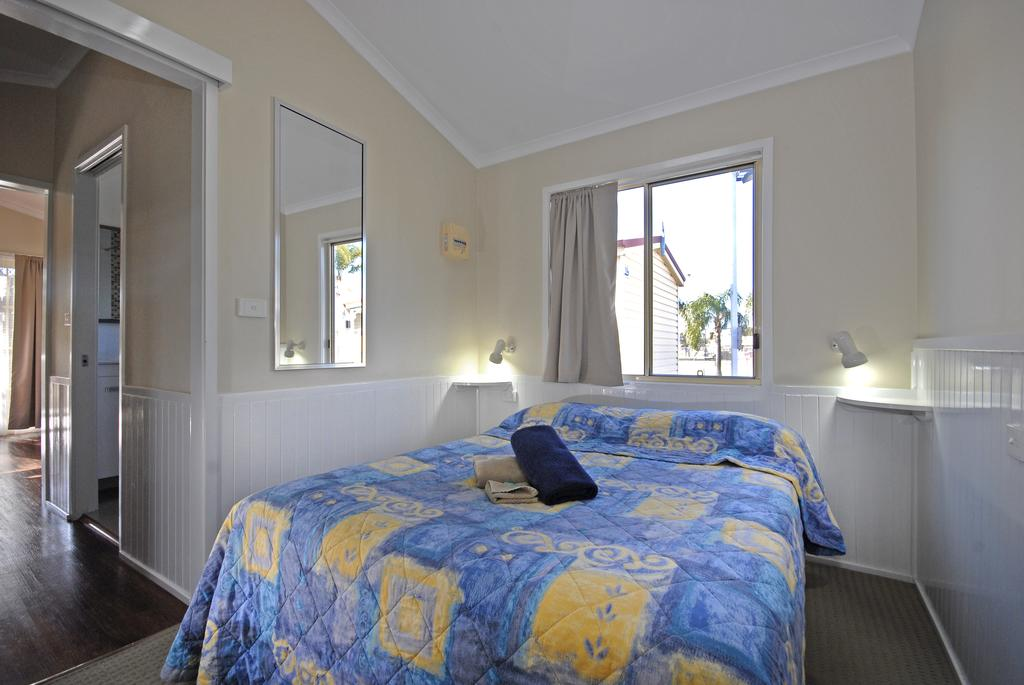 Barrack Point Holidays - eAccommodation