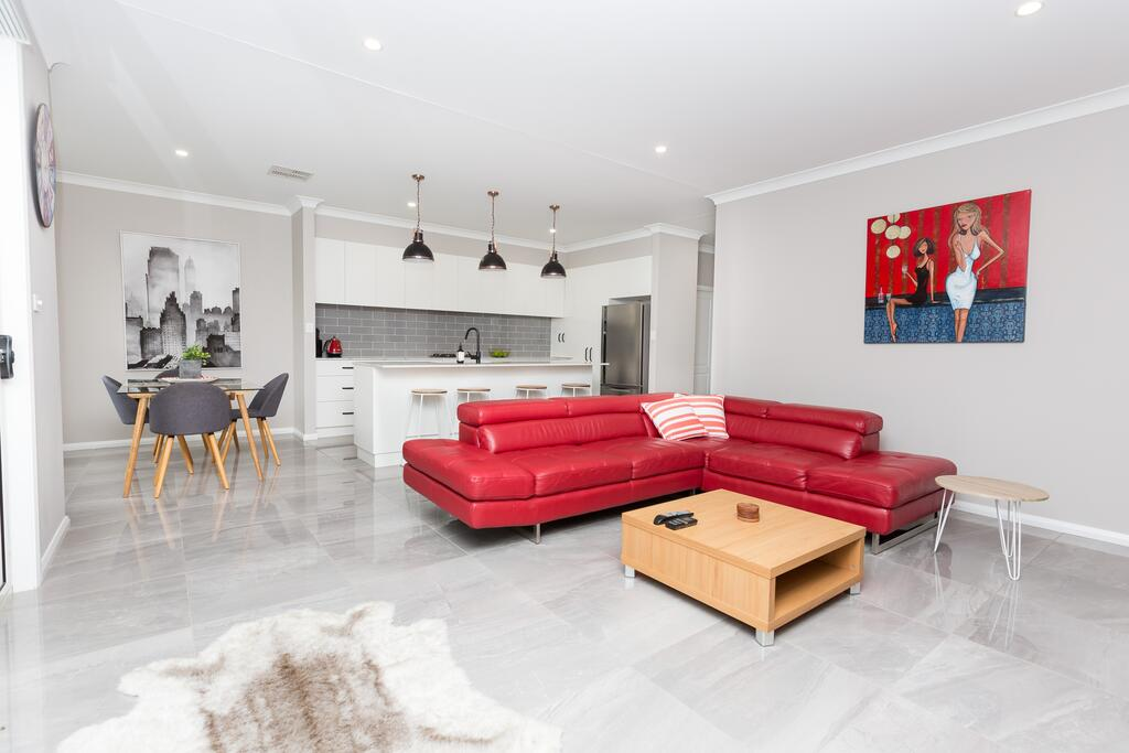 Best Central Wagga Townhouse - eAccommodation